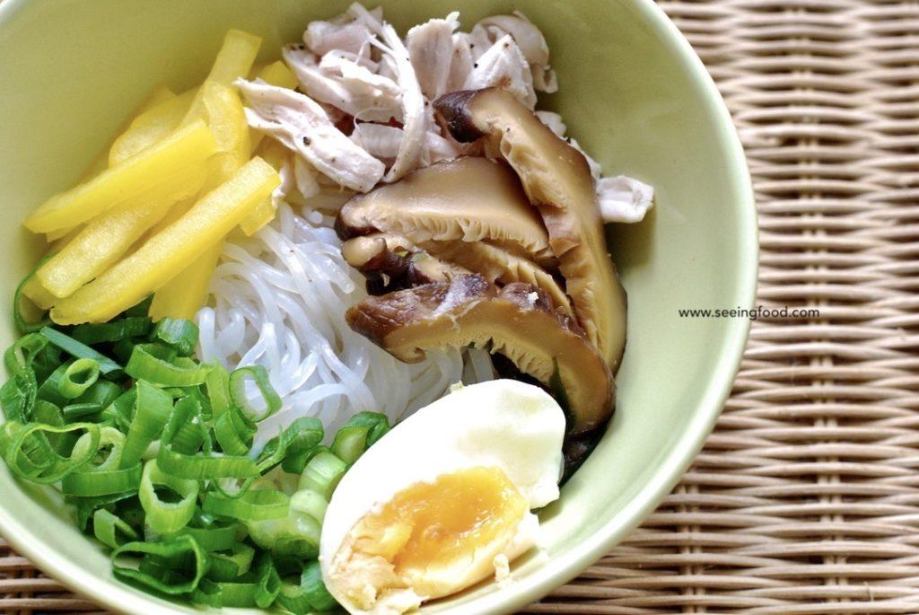 Chicken konnyaku noodle soup
